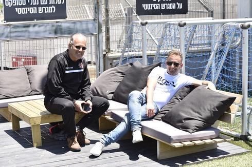 המנהל המקצועי רועי כהן ואבי צימברג