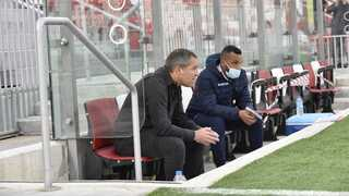 המאמן ירון הוכנבוים ועוזרו מנו הרוניאן