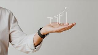 האם להגדיל פעילות עסקית ? מצד אחד ניתן להרוויח יותר כסף. מצד שני יש חשש לבעלי העסקים מהגדלת ההוצאות.
