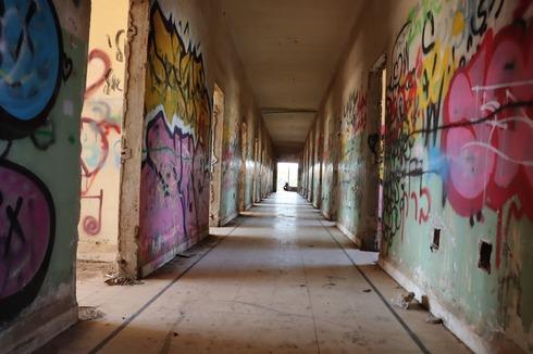 אחד המסדרונות של המבנה