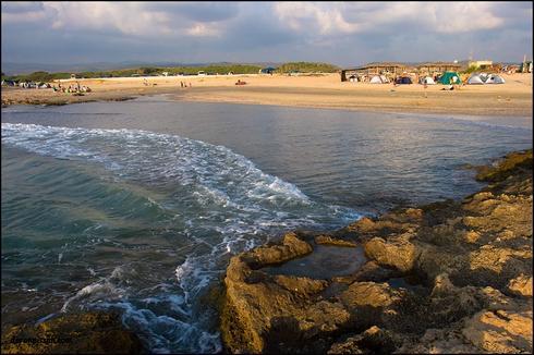 חוף דור-הבונים. צילום: דורון ניסים