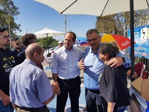 ראש עיריית מגדל העמק אלי ברדה עם ראש עיריית ירושלים היוצא ניר ברקת (צילום: אלבום פרטי)