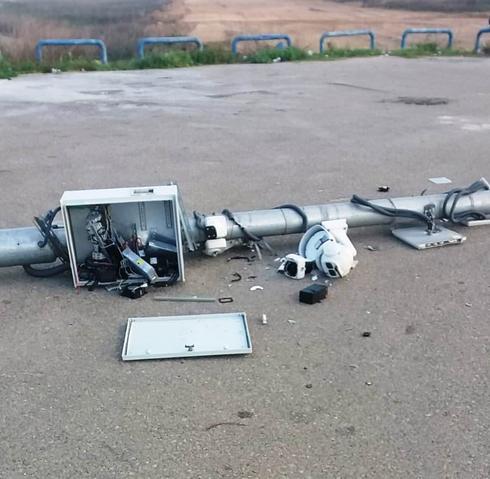 מצלמות שבורות בג'סר א-זרקא. צילום: דוברות משטרת ישראל