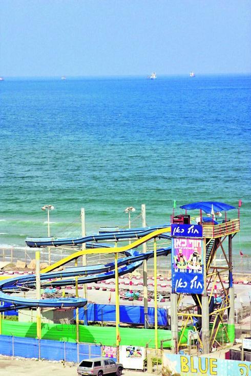 חוף כאן, יולי 2007 | צילום ארכיון: גיל נחושתן