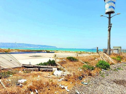 חוף כאן בקרית חיים. צילום: נחום סגל
