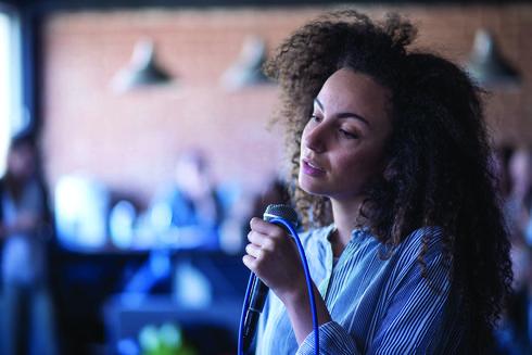 הזמרת יובל דיין. תתארח במופע של עידן חביב | צילום: יובל חן
