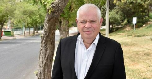 ראש העיר רונן פלוט (צילום: שרון צור)