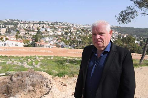 ראש העיר רונן פלוט  (צילום: ישראל פרץ)