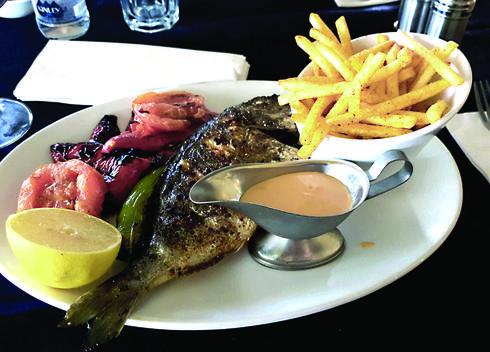 הדג היה טוב, עשוי מדויק, טרי וטעים   צילום: אשר קשר