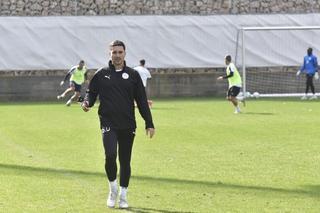 המאמן שלומי דורה (צילום: שרון צור)