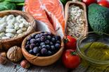 תמהיל תזונתי נכון הכולל מזונות מתאימים   צילום: shutterstock
