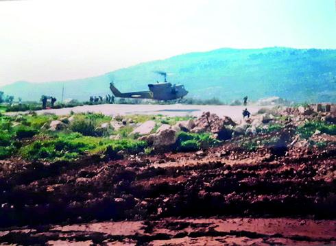 מנחת המסוקים המאולתר בסמוך למוצב | צילום: עמית ברק